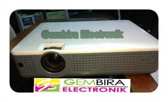 projector sanyo bekas proyektor seken sanyo projektor second proyector